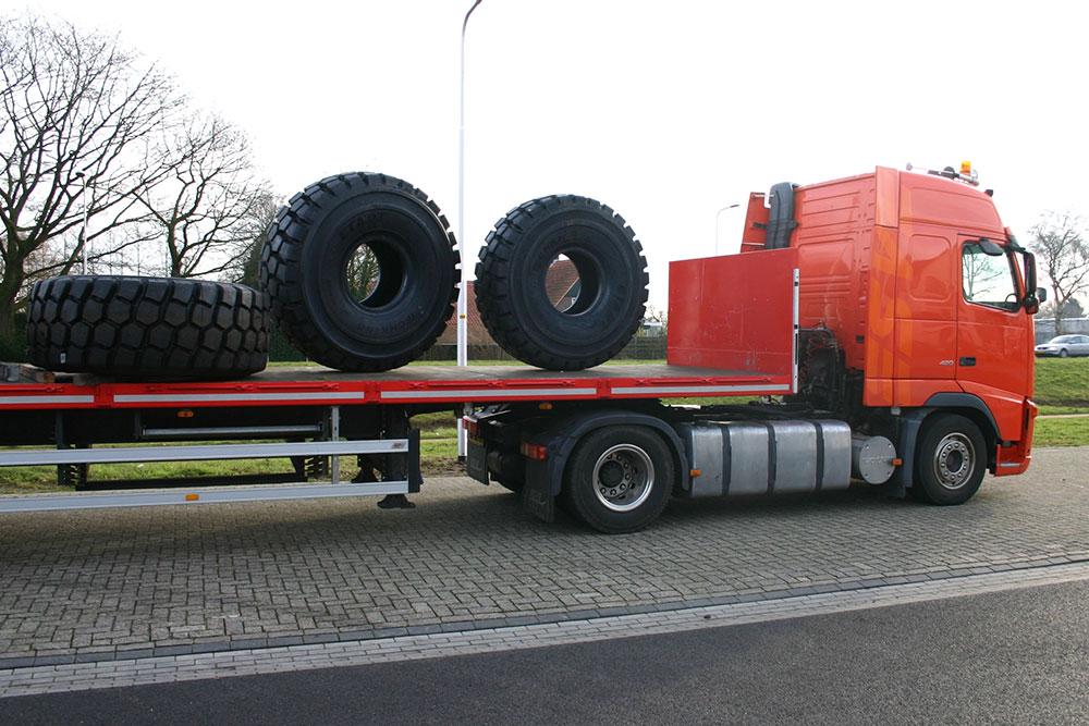 Esve Special Trailers in Lichtenvoorde. Banden, bandenservice, banden uitlijnen, 24 uur service en reparatie.
